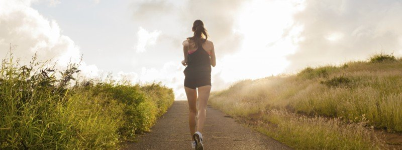 woman jogging after hypnosis to increase motivation